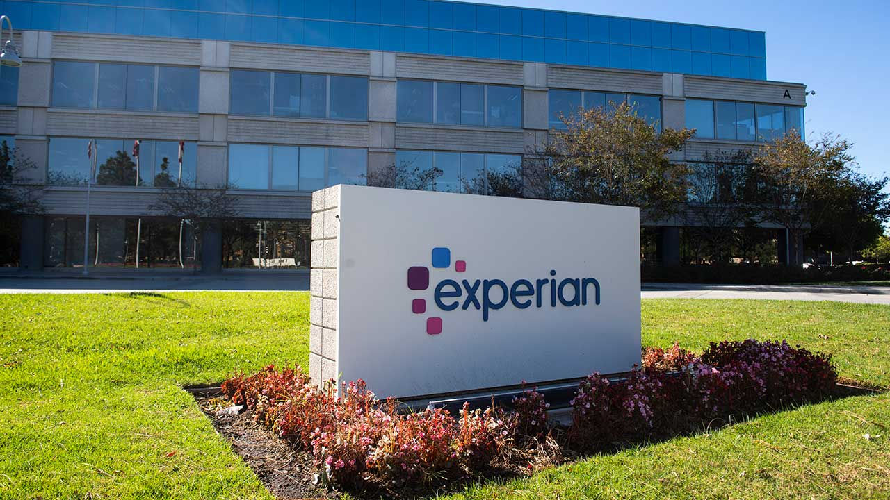 Experian announce first interim dividend up 4% to 14.5 US cents per ordinary share.