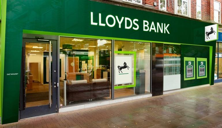 Lloyds Banking Group announce a total ordinary dividend of 3.37 pence per share, up 5 per cent