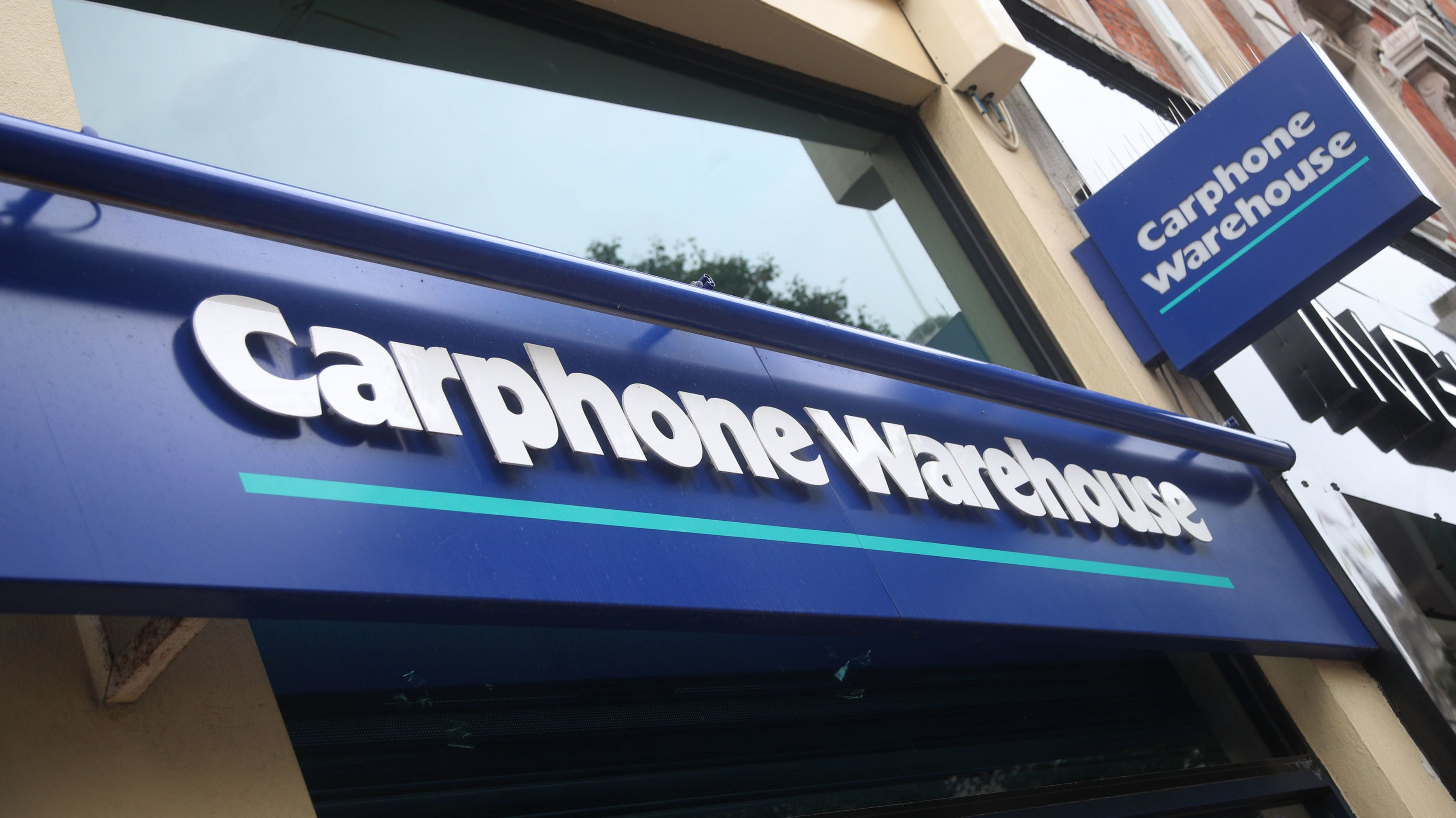 Dixons Carphone to pay 4.5p final dividend